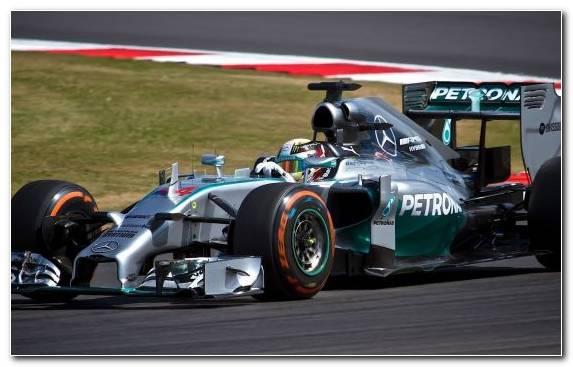 Image Mercedes Amg Petronas F1 Team Sports Car Racing Racing Formula Racing Auto Racing