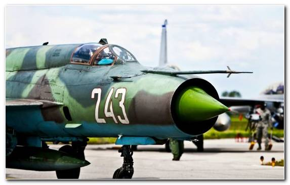 Image Mikoyan Gurevich Mig 25 Mikoyan Mig 29 Mikoyan Gurevich Mig 21 Military Aerospace Engineering
