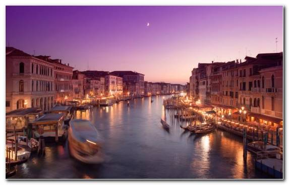 Image rialto bridge gondola canal evening grand canal