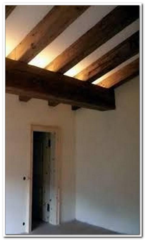 Indirekte Beleuchtung Holzbalkendecke