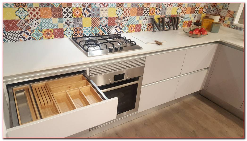 Interior De Cajones Cocina