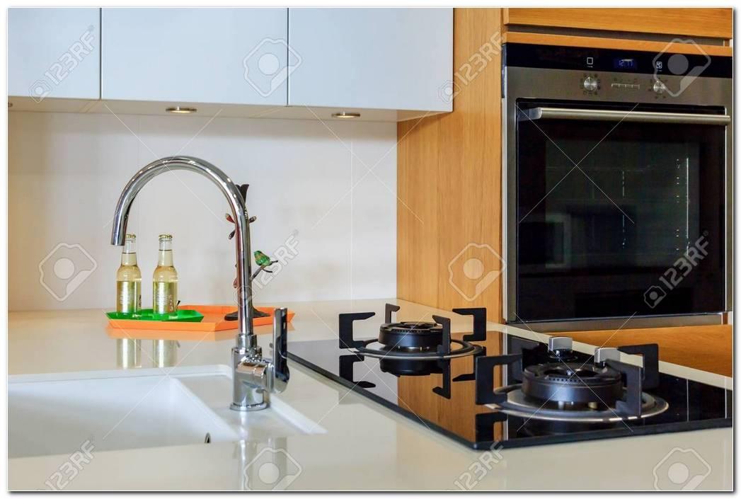 Interior De Una Cocina A Gas