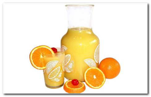 Jug filled with juice HD wallpaper