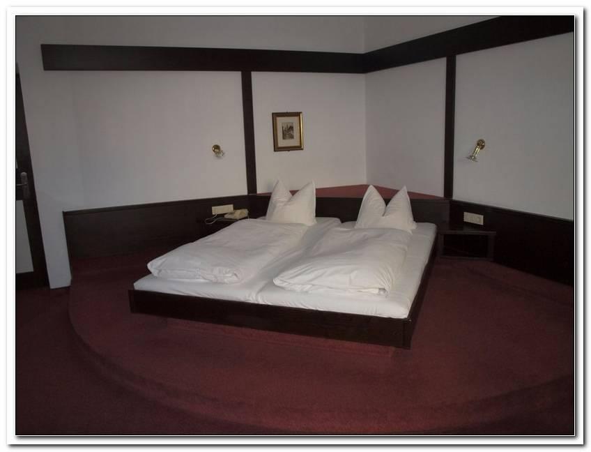Kleines Schlafzimmer Gro?Es Bett