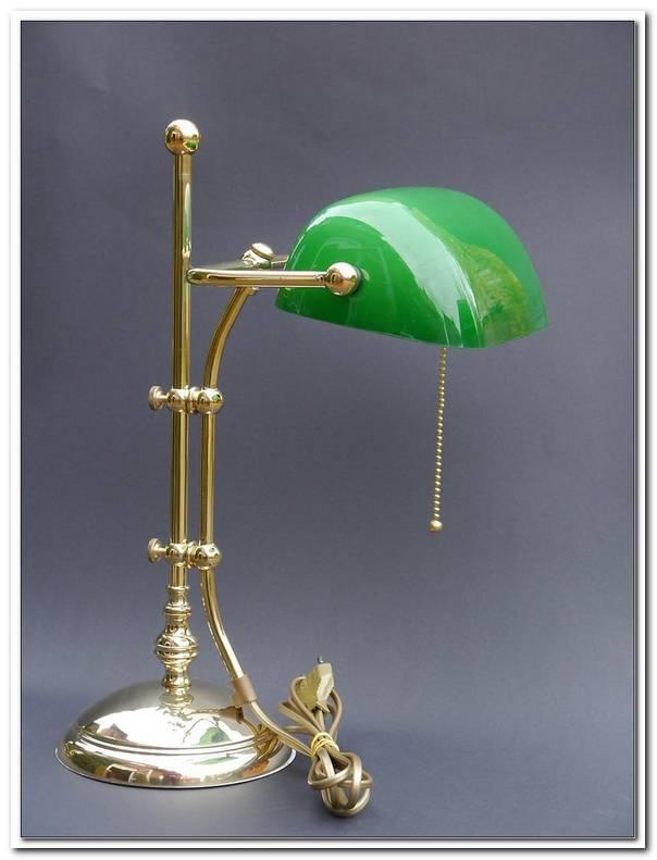 Lampe Mit Gr?Nem Glasschirm