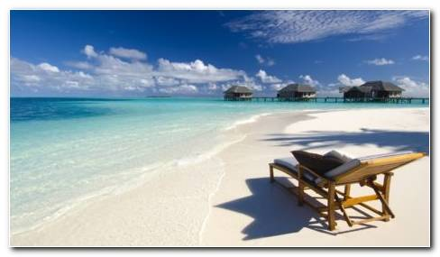 Maldives Beach HD Wallpaper