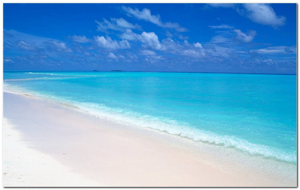Maldives Beach Wallpapers Background