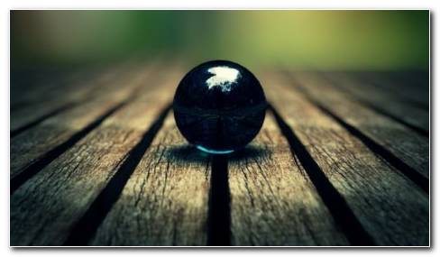 Marble Ball HD Wallpaper