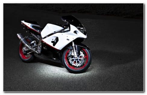 Motorcycle Suzuki Night HD Wallpaper