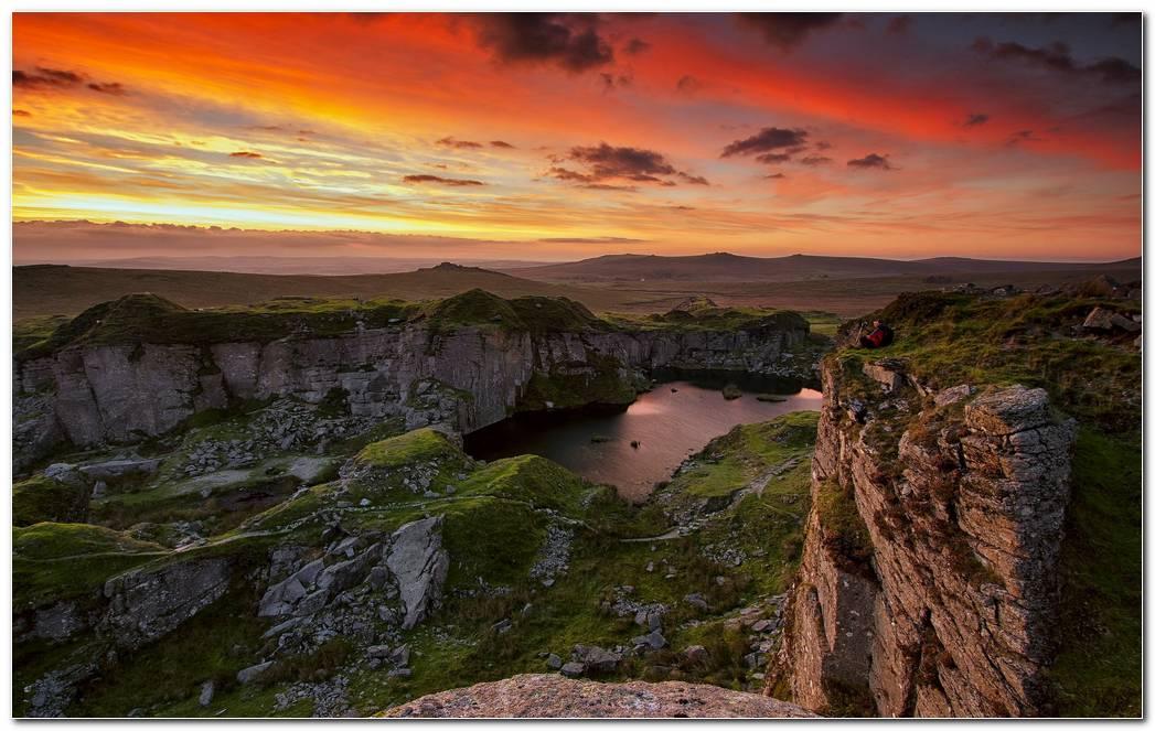 Mountains Sky Sunset Wallpaper