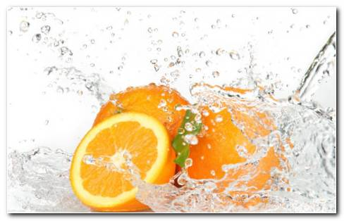 Oranges In The Water HD Wallpaper