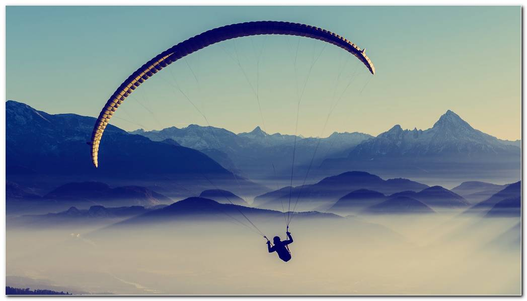 Paragliders Background