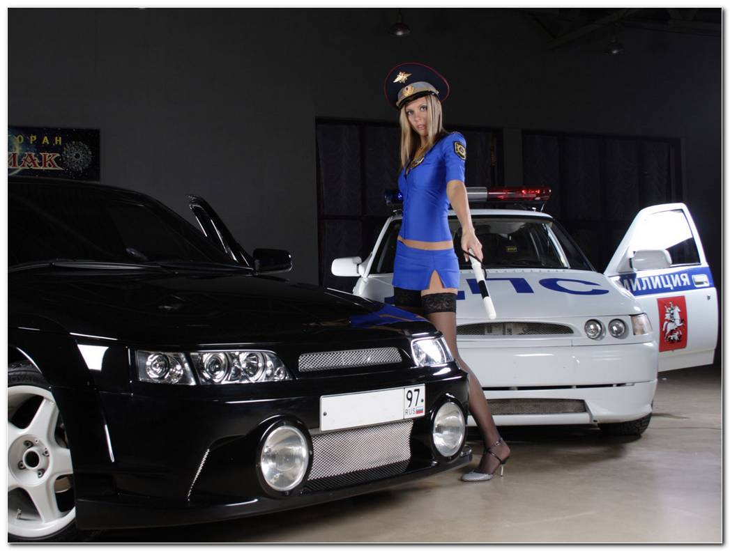 Police Car Custom With Hot Girl Wallpaper 1280x960 Police Car Custom 1280x960