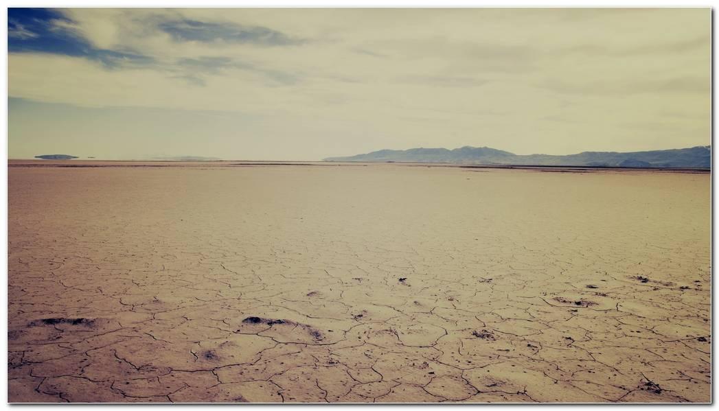 Popular Widescreen Desert Nature Wallpaper Background