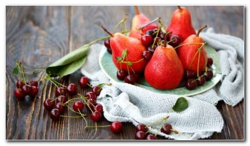 Reddish pears HD wallpaper