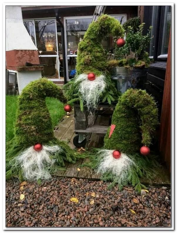 Sch?Ne Weihnachtsdeko Im Garten