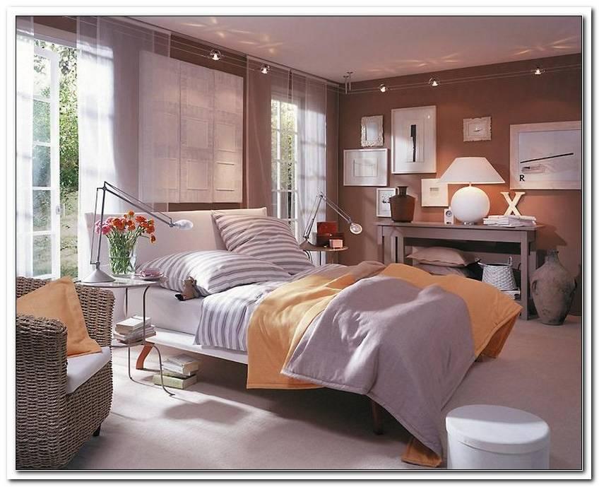 Schlafzimmer In Braunt?Nen