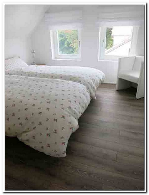 Schlafzimmer Nachts Fenster Kippen