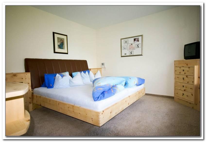 Schlafzimmer Zirbenholz Tirol