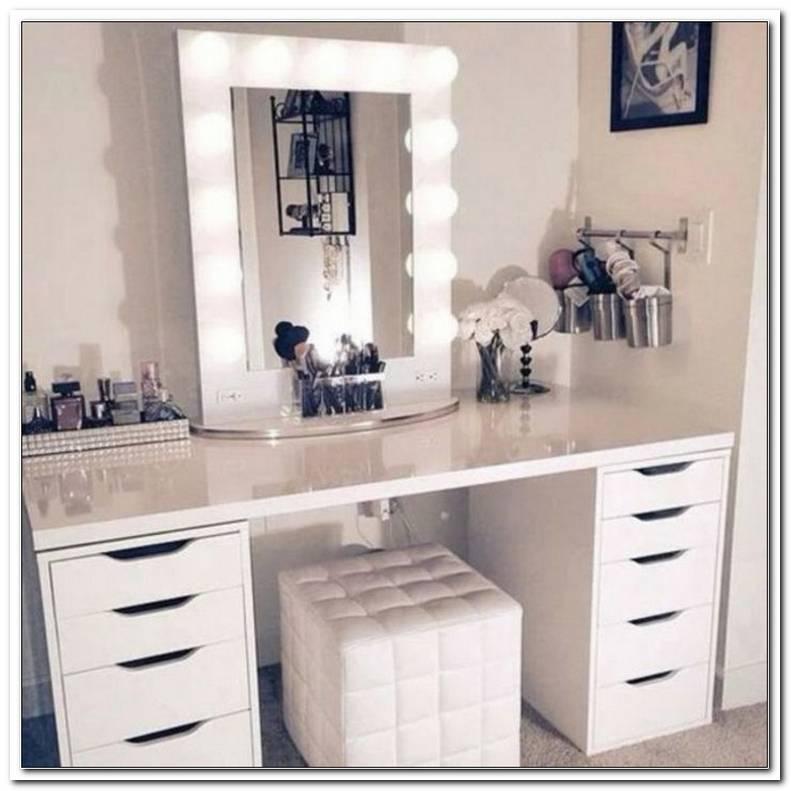 Schminktisch Mit Beleuchtung Am Spiegel