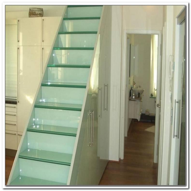 SchrNke Unter Treppe