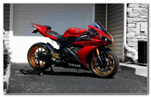 Sport Bike Yamaha R1 HD Wallpaper
