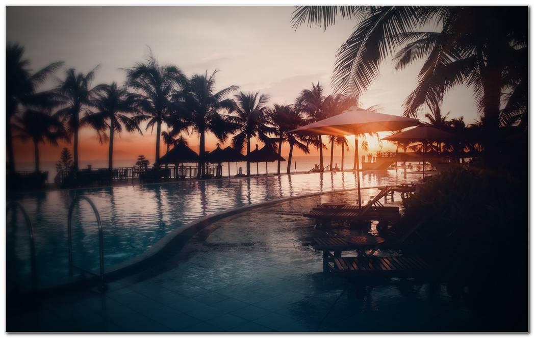 Sunset Resort Wallpaper