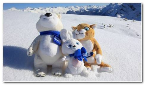 Toys In The Snow HD Wallpaper