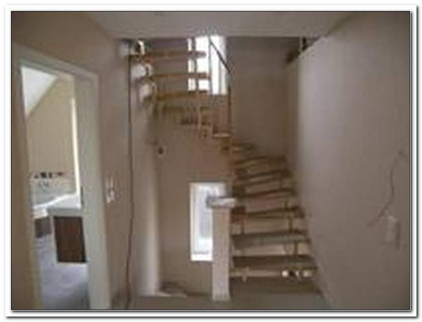 Treppe Zum Dachboden D?Mmen