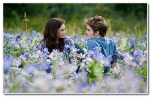 Twilight Bella And Edward Wallpaper