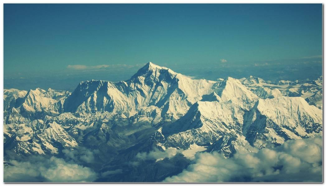 White Beautiful Mountain Wallpaper Background