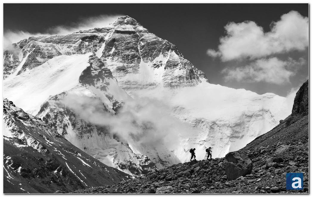 Wonderful Everest Mountain Image Background Wallpapers