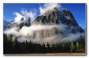 Yosmite Mountains Background Wallpaper
