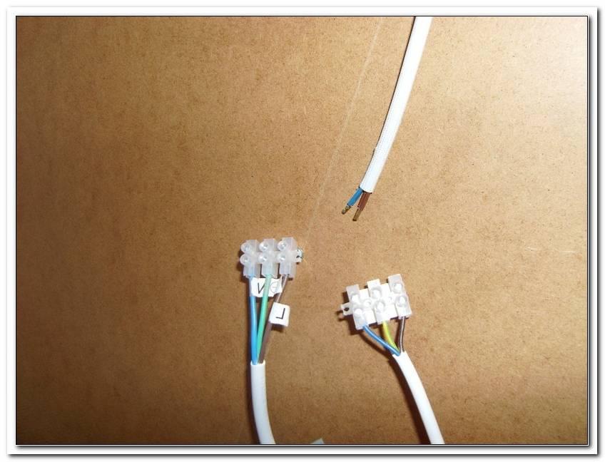 Zwei Lampen Ein Kabel