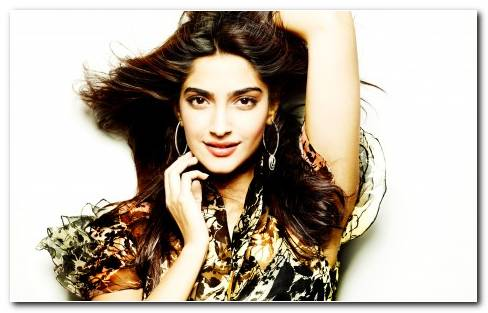 Actress Sonam Kapoor Wide