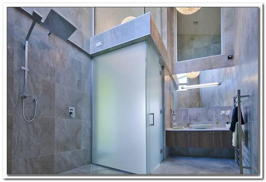 Badezimmer Komplett Gefliest