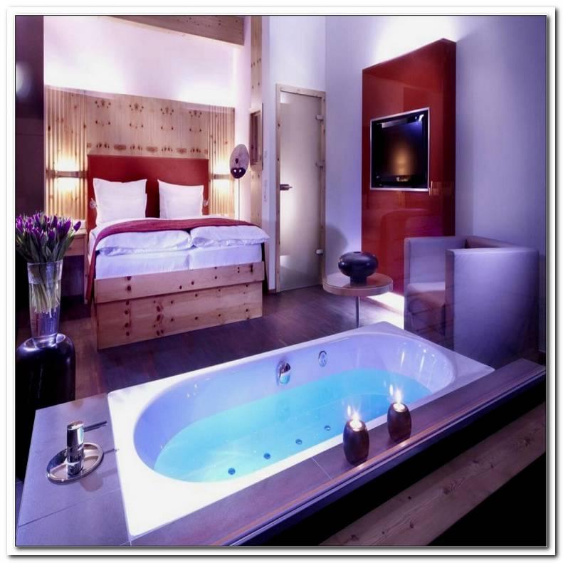 Hotelzimmer Mit Badewanne Im Zimmer