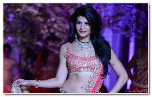 Jacqueline Fernandez Walking The Ramp 1920x1200