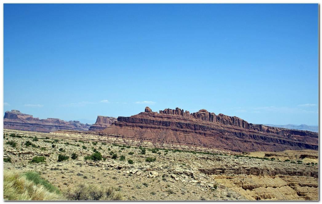 mountains in desert hd wallpaper