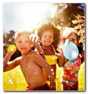 pelea con globos de agua