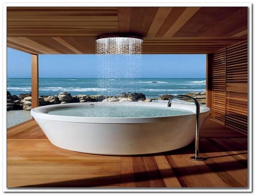 Riesige Badewanne