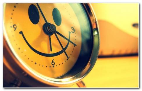 Smiley Face Clock 18735