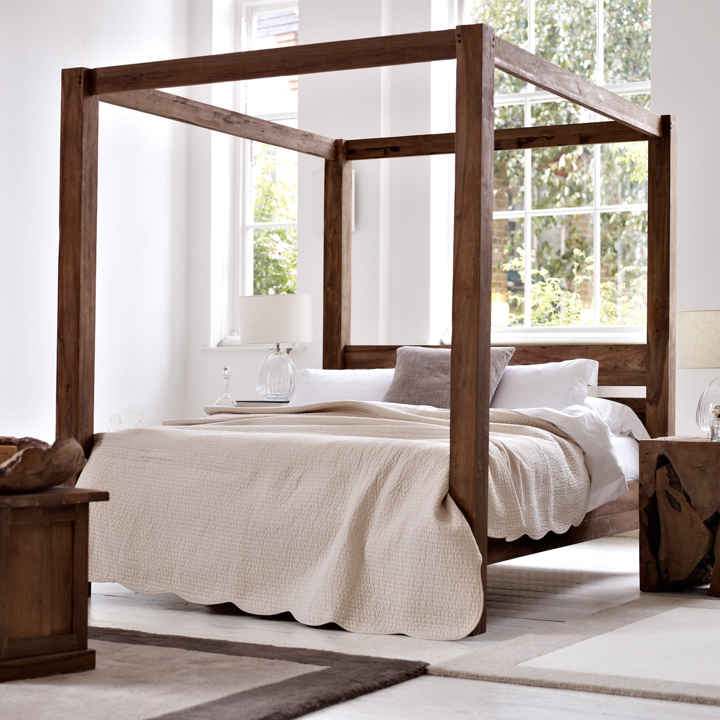 Bed Frame With 4 Posts