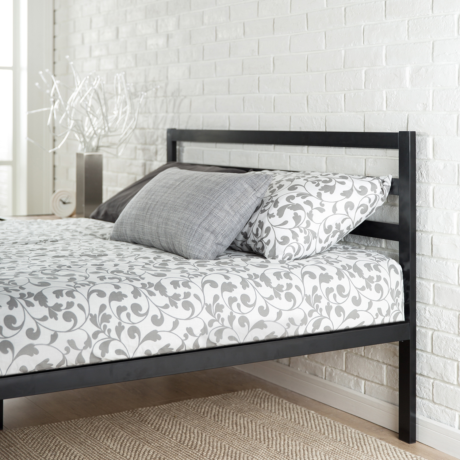 Difference Between Metal And Wood Bed Frames