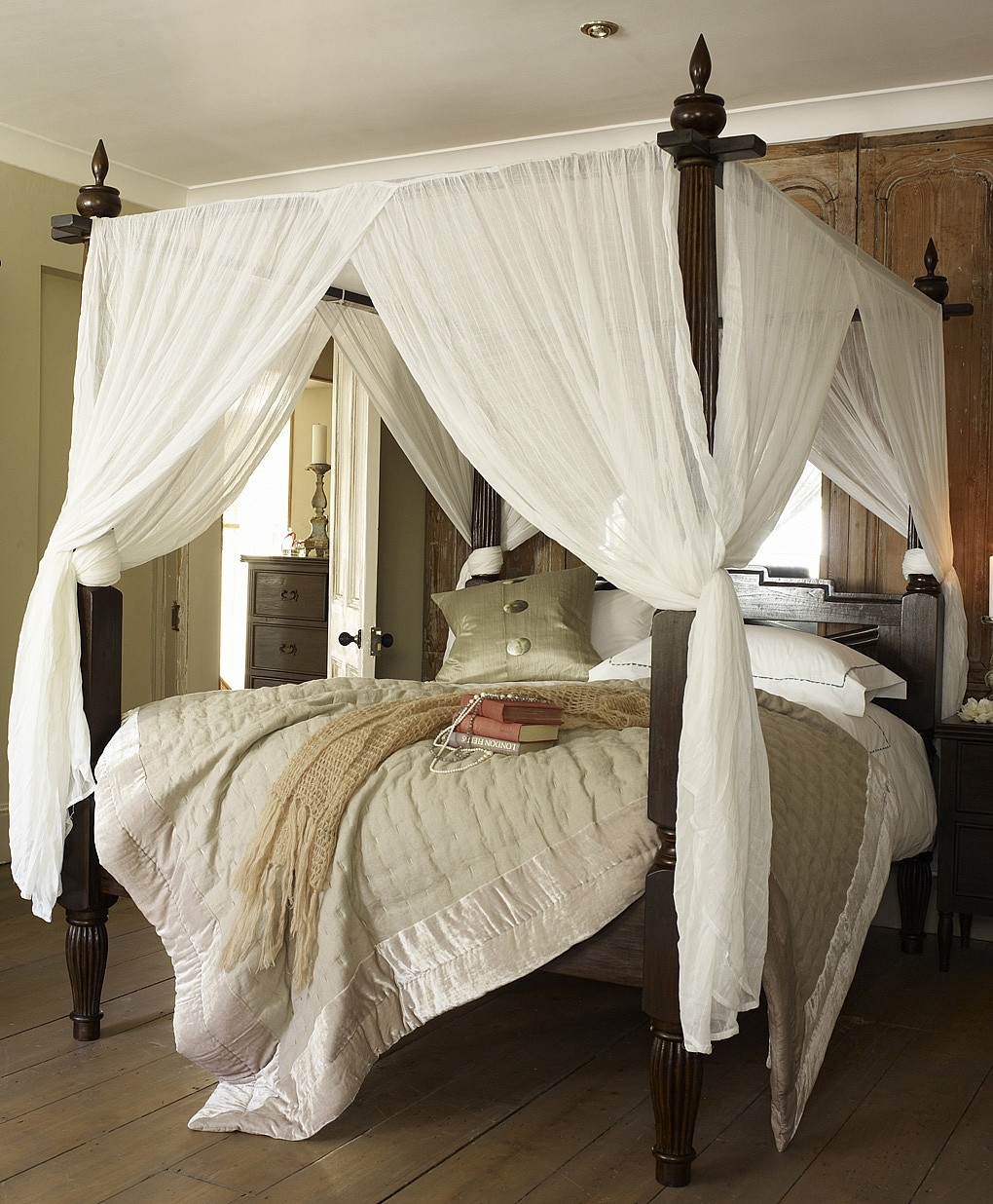 4 Poster Canopy Bed Frame
