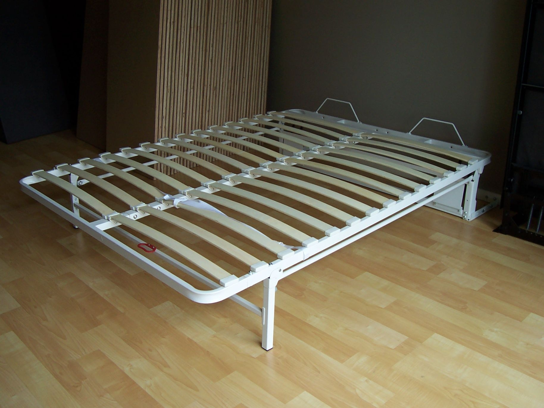 Collapsible Bed Frame King