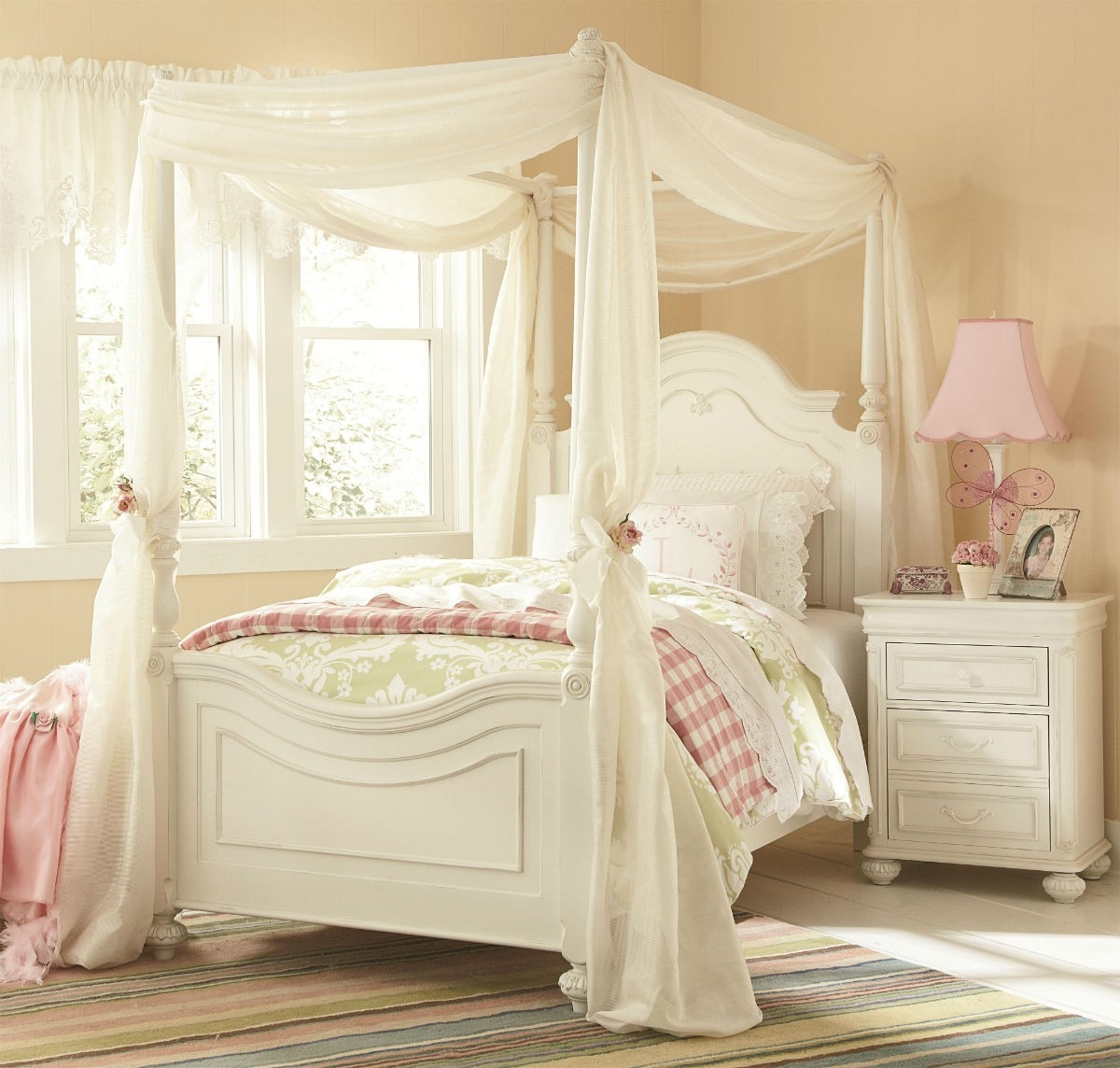 Queen Canopy Bed Frame White