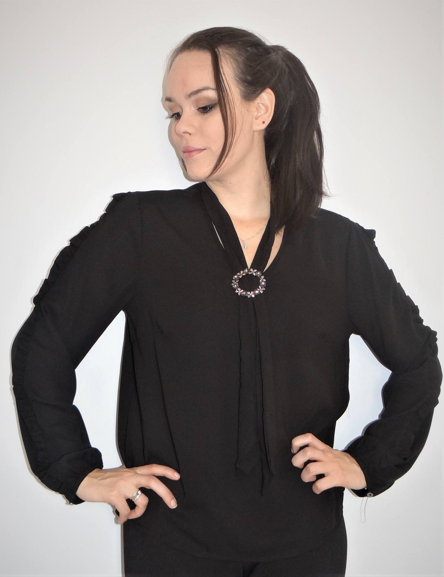 Blusa Feminina Social Trabalho Detalhe Pedraria