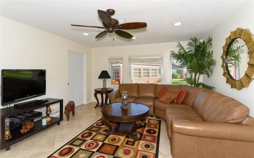 Villa 195  VISTA HERMOSA CIRCLE , SARASOTA for sale - mls# A4189942