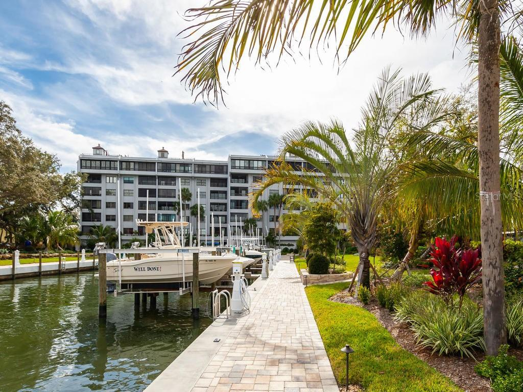 Condo 5911  MIDNIGHT PASS ROAD , SARASOTA for sale - mls# A4208817